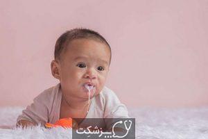 علت استفراغ در نوزادان | پزشکت