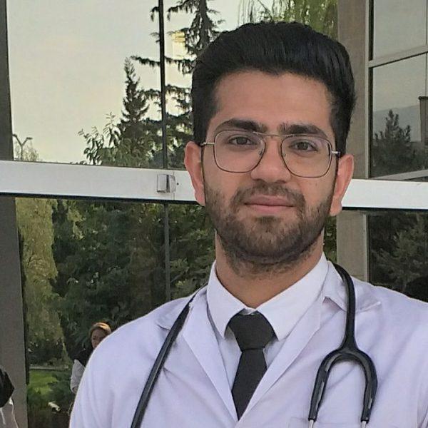 پزشک برتر میلاد کردزجی